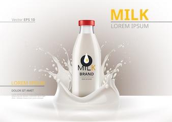 ミルクボトルのパッケージは現実的なベクトルをモックアップ。液体スプラッシュの背景