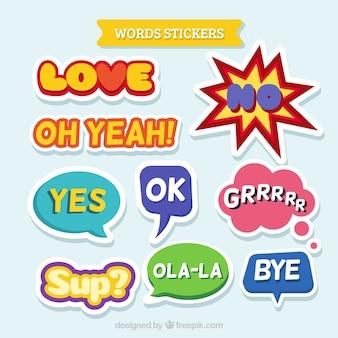 カラフルな単語のステッカーのパック