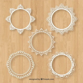 Pack of five round lace frames
