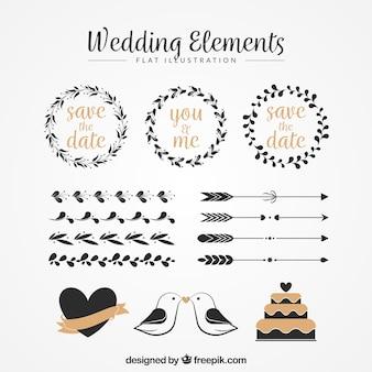 花の花輪や他のヴィンテージの結婚式の装飾品のパック
