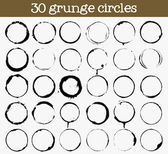 30個のグランジサークルテクスチャのセット