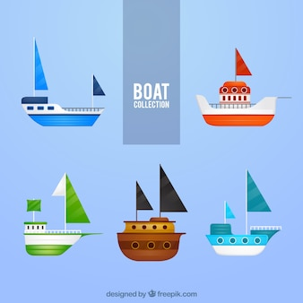 Set of colorful boats in flat design
