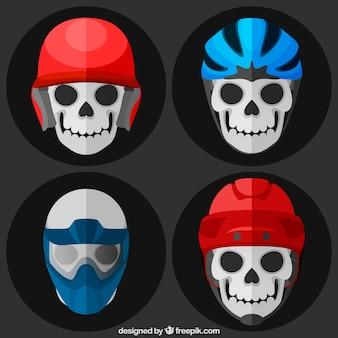 フラットデザインのヘルメットと頭蓋骨のセット