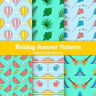 色のついたオブジェクトを持ついくつかの夏パターン