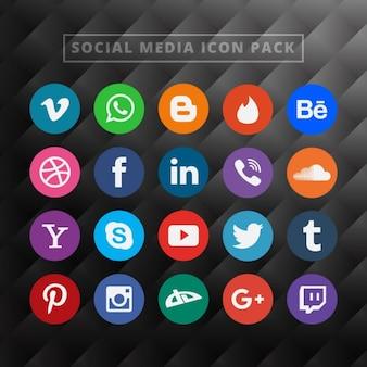ソーシャルメディアのアイコンをパック