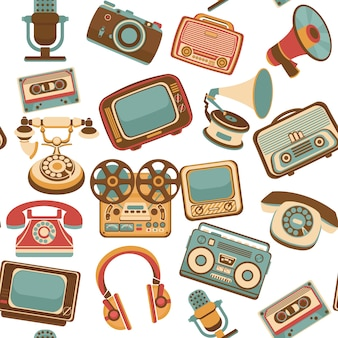 Vintage media gadgets colored seamless pattern with vintage electronic devices vector illustration