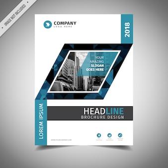 白と青のビジネスパンフレットデザイン