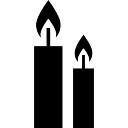 Twee brandende kaarsen
