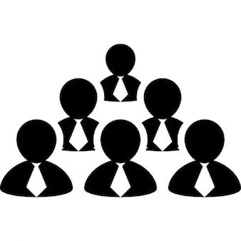 Grupo humano do sexo masculino dos homens com laços