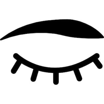 Olhos fechados, com cílios e sobrancelhas