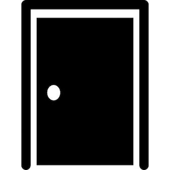 Porta fechada com a silhueta fronteira