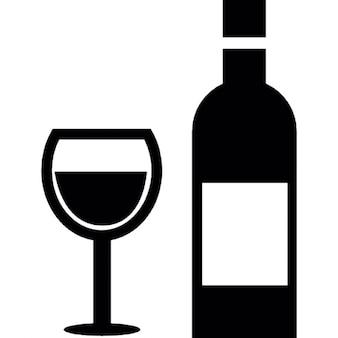 Vidro e uma garrafa de vinho