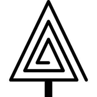 Arbre de Noël en forme de spirale triangulaire