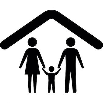 Familia bajo un esquema de techo