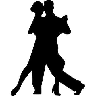Pareja bailando flamenco