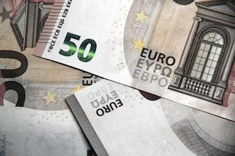 50 euros en billets de banque en arrière-plan