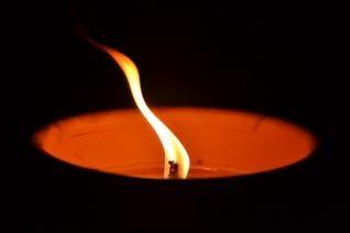 cierge à brûler la nuit