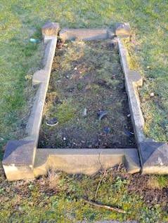 vieux tombeau