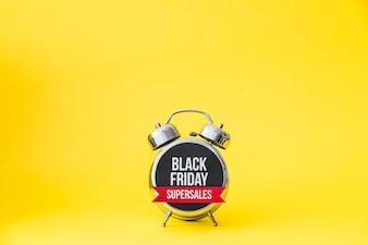 Alarme avec étiquette noir vendredi