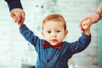 Anniversaire sourire élégant cravate humain