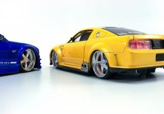 Autos miniatures, détails