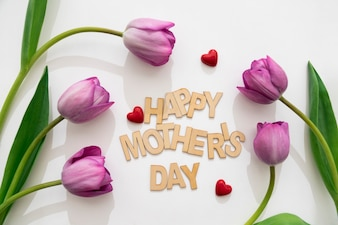 Beau arrangement de la fête des mères avec des roses