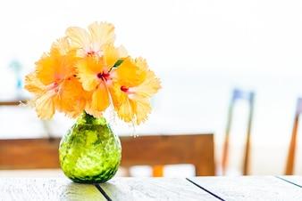 Beau bouquet printemps nature extérieure