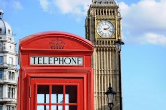 Cabine téléphonique rouge et Big Ben à Londres