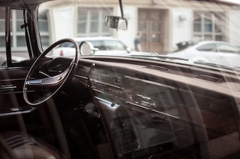intérieur du véhicule par la fenêtre