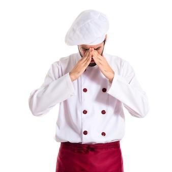 Chef frustré sur fond blanc