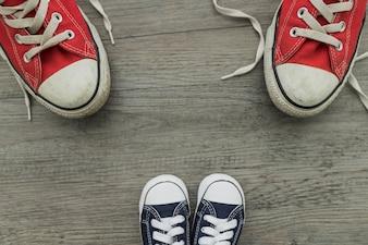 Composition avec des chaussures pour le jour du père