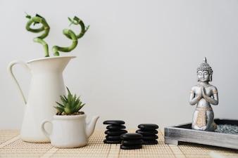 Composition avec une variété d'éléments pour la méditation