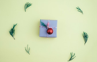 Composition de Noël. Plat poser, vue de dessus. Cadeau de Noël.