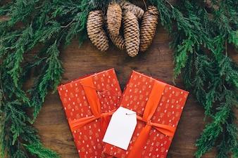 Composition pour Noël avec des boîtes-cadeaux