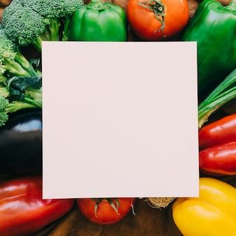 Composition végétale avec du papier