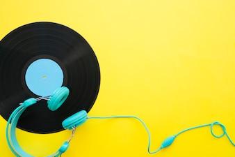 Concept de musique jaune rétro