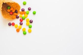 Cône de gaufre avec des bonbons