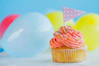 Cupcake délicieux avec drapeau