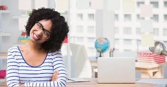 Debout technologie femme absence jolie