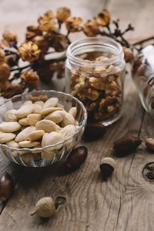 Décoration de divers types de noix
