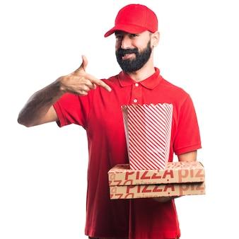 Entretien de pizza avec des popcorns