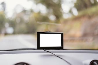 Équipement de navigation GPS en voiture