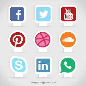 Étiquettes de médias sociaux