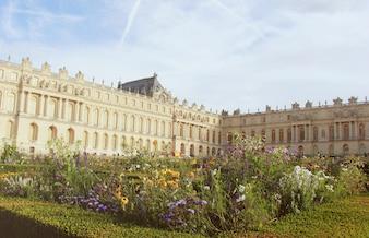 Extérieur du palais de Versailles à Paris, en France