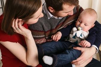 Fierté de famille émotive et pacifique