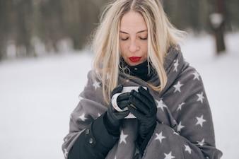 Fille en hiver