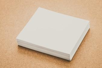Filtre feuille de bloc-notes de présentation blanc