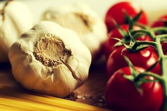 Fond de cuisine Cuisine Concept alimentaire. Gros plan du processus de cuisson. Légumes sur table. Cuisine de pâtes italiennes. Toning.