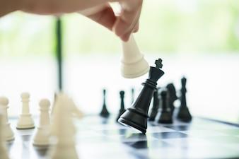 Formation stratégique des affaires dans le jeu de l'échec du jeu.