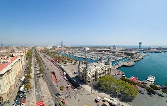 Grand angle du port de Barcelone